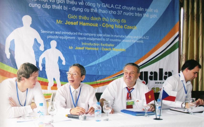 Zleva Josef Hamouz, Ing.Tran Cong Tuong,Marcel Winter, Petr Hamouz