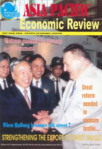 ASIA_PACIFIC_ECONOMIC_REVIEW_-_Na_titulni_strance_je_M.Winter_s_predsedou_Narodniho_shromazdeni_VSR_Nguyen_Van_An.