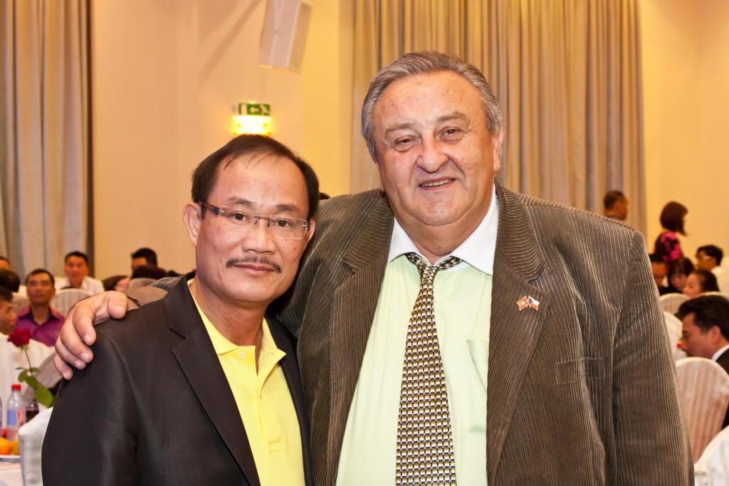 Marcel Winter a jeho vietnamský přítel z provincie Bac Ninh - přátelé!