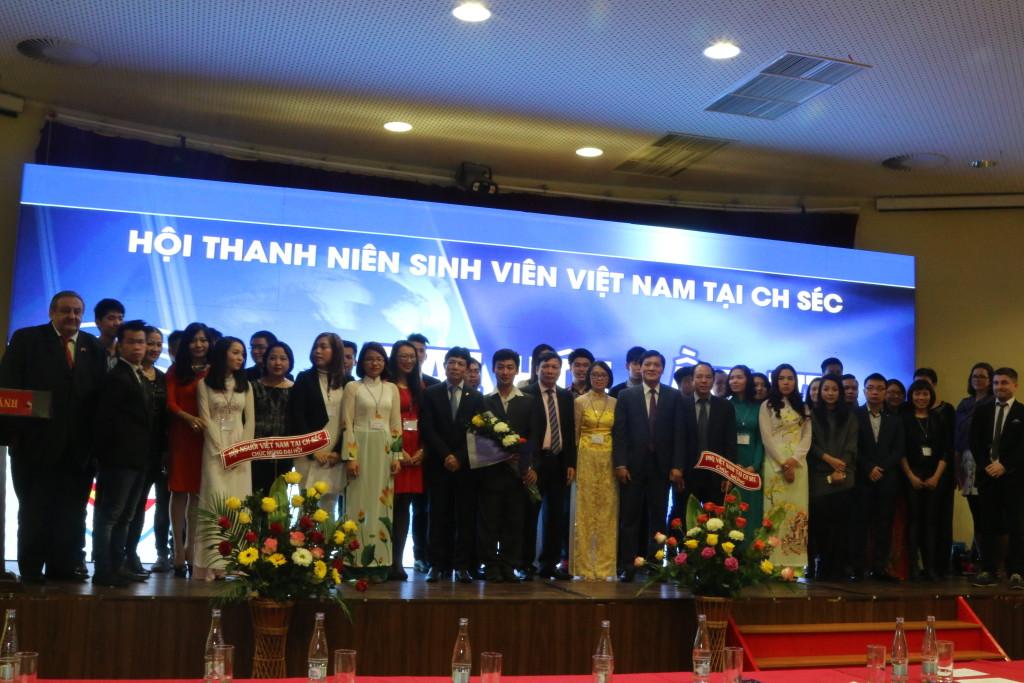 Svaz_vietnamske_mladeze_a_studentu_v_CR